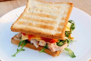 Рецепт для дачного пикника: сэндвич с курицей от Катерины Песковой