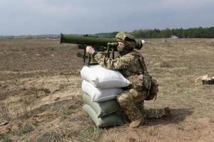 ВСУ на Донбассе ударили из противотанковых комплексов: появилось эффектное видео