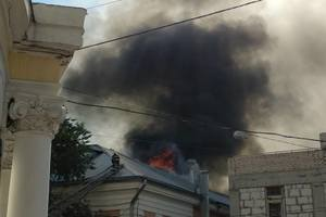 В центре Харькова в вузе вспыхнул крупный пожар: опубликованы фото
