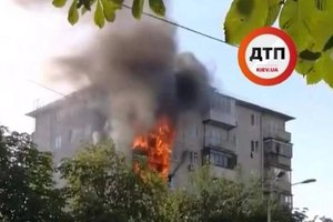 В Киеве на Нивках горела девятиэтажка