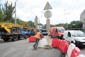 В Киеве из-за ремонта дорог частично перекроют Северный мост и две улицы