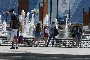 Погода в Украине: синоптики обещают грозы и жару до +34