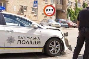 На столичном Подоле произошло ДТП с участием полицейского автомобиля