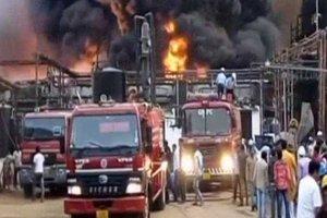 В Индии загорелся нефтеперерабатывающий завод: пострадали люди