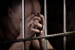 Сыноубийство во Львовской области: у отца в изоляторе остановилось сердце