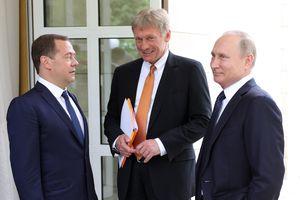 Невзоров потроллил Медведева: Мечта сбылась, кольцо врагов сомкнулось