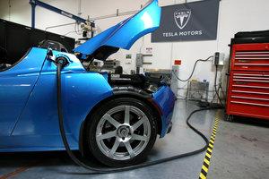 Крупнейший экспортер нефти вложился в производство электромобилей