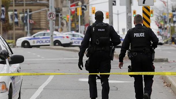 При стрельбе  вКанаде погибли 4  человека, втом числе двое полицейских