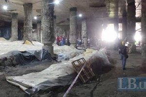 Потоп на раскопках на Почтовой площади: коммунальщики обещают отремонтировать трубу ночью