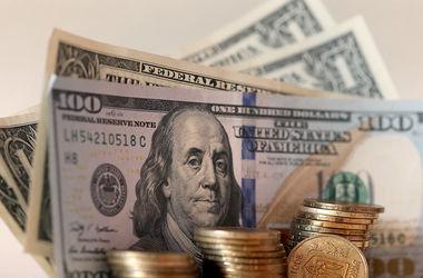 Доллар стремительно растет: НБУ ослабил курс гривни