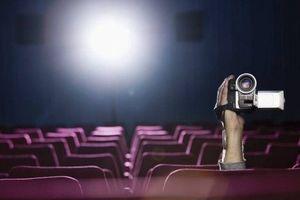 Хлопцеві, який копіював фільм в кінотеатрі, загрожує штраф у 17 000 грн
