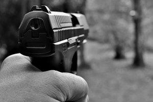 Вооруженное ограбление в Днепре: у инкассаторов отняли 500 тысяч гривен