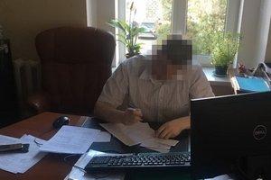Суд арестовал следователя ГПУ, которого поймали на крупной взятке