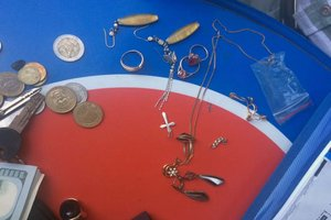 На Шулявке задержали трех воров с украденным золотом и деньгами
