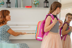 Искривление позвоночника у ребенка: что нужно знать, чтобы избежать проблем