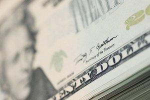 Доллар перестал расти: НБУ установил официальный курс гривни