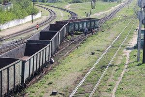 В Запорожской области сошли с рельсов три вагона товарного поезда