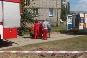 В Кропивницком девочка упала в яму на металлический провод