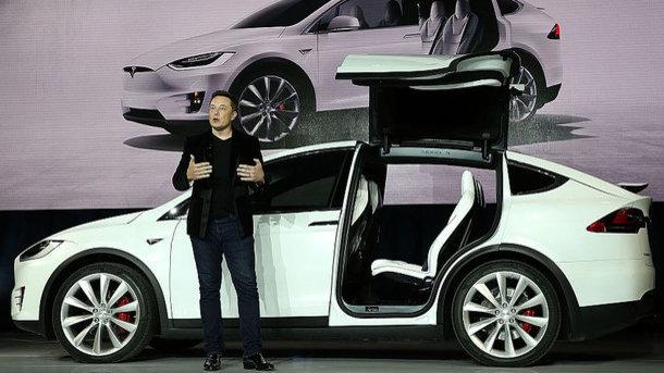 Tesla упала вцене из-за обвинений против Илона Маска