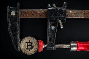 Курс Bitcoin замер, рынок криптовалют в ожидании
