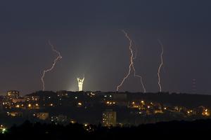Потоп после грозы в Киеве: синоптики объяснили причину