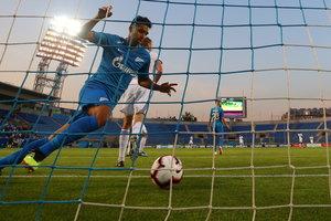 """""""Зенит"""" в Лиге Европы сотворил чудо: команда отыгралась после 0:4, забив дома восемь голов"""