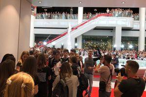 Очередь чуть меньше, чем в Ватикан: в Киеве открылся первый украинский H&M