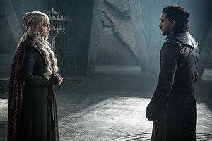 """Режиссеры """"Игры престолов"""" рассказали об отношениях Джона Сноу и Дейенерис Таргариен в 8-м сезоне"""