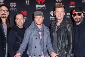 Вернулись с грохотом: на концерте Backstreet Boys обвалилась арка, есть пострадавшие