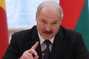 Лукашенко заявил, что не хочет вступать в Россию
