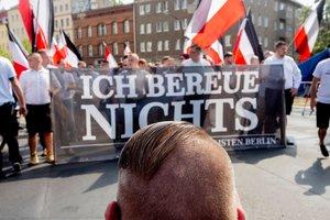 В Берлине во время марша неонацистов пострадали шестеро полицейских