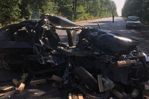 В Донецкой области столкнулись грузовик и легковушка: один человек погиб, трое пострадали