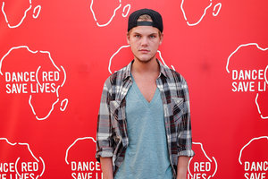Диджей Avicii посмертно награжден на MTV Video Music Awards