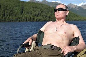 Человек из второго ряда: эксперт объяснил, почему Путин не является альфа-самцом