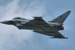 Британские ВВС перехватили российские истребители над Черным морем