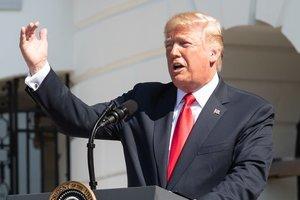 """Трамп рассказал, чем """"аукнется"""" США его импичмент"""