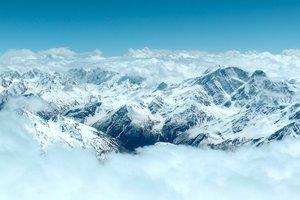 На Эльбрусе нашли тело альпинистки, погибшей во время восхождения более 30 лет назад