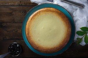 Как приготовить творожный пирог с лимонной цедрой и ванилью