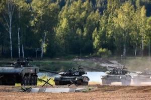 Россия перебрасывает технику на Донбасс и готовит десантников – разведка