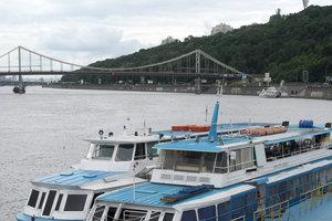 """""""Украинцы отвыкли от рек"""": почему в стране исчезают пассажирские теплоходы"""