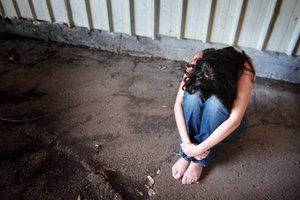 В Киеве изнасиловали и ограбили женщину: полиция ищет машину подозреваемого