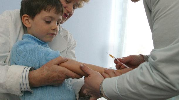 Как создается вакцина от гриппа, которой прививают в Украине: репортаж с французского завода