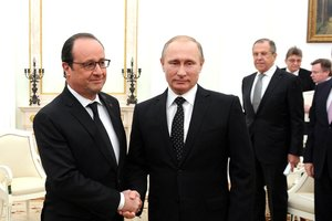 Ледяная полоса покоренных земель: Олланд рассказал о мечте Путина