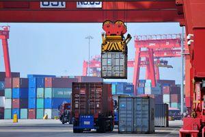 Трамп решил усилить торговую войну с Китаем - СМИ