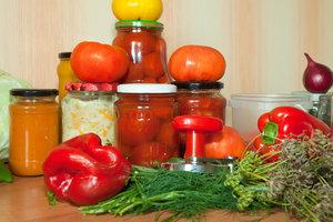 Консервация на зиму: все правила приготовления вкусных и безопасных заготовок