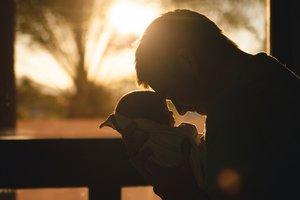 Близнецы после рождения помещались на ладонь: как они выглядят сейчас