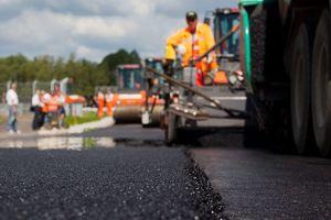Дороги в Украине строятся быстрее и дешевле, чем в ЕС - Омелян