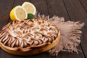 """Лимонный пирог с меренгой: рецепт из фильма """"Тост"""""""