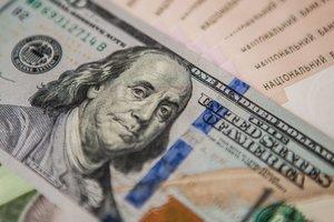 Почему взлетает доллар и что будет дальше: ТОП фактов о девальвации гривни
