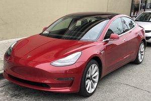 У Илона Маска снова возникли трудности с выпуском Tesla Model 3